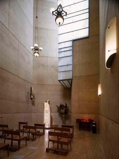 Arastone projects. Los Angeles cathedral. Sheets of alabaster used in windows.