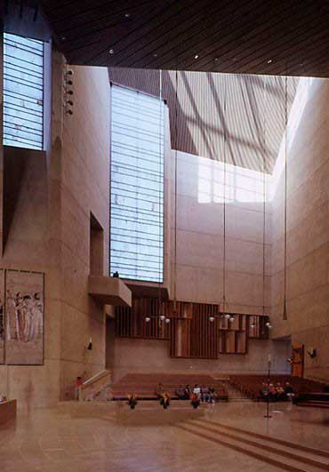 Arastone projects. Los Angeles cathedral. Alabaster used in architecture projects.